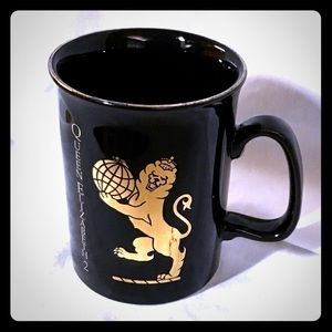 Queen Elizabeth 2 Cruise Line Porcelain Cup Mug
